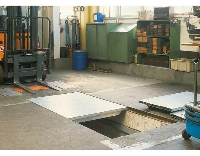Platelage de fosse sur mesure en aluminium couverture de for Faire une fosse de garage