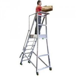 835*7657 - Plateforme de magasinage repliable en alu 150 kg 7 marches