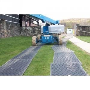 Plaque de roulage et de protection des sols LARMEE/LARMEE avec deux cotés antidérapants