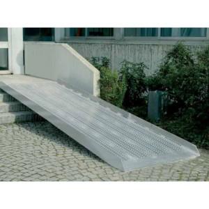 AOL-R - Rampe de chargement en aluminium avec rebords de 100 mm - Capacité 400 kg unitaire - Longueurs de 1,50 m à 4 m