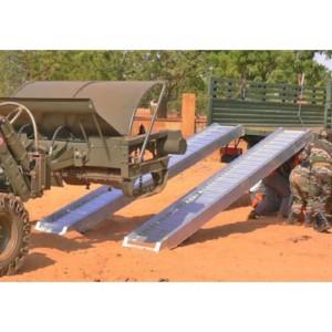 AVSS 150 - Rampes de chargement en aluminium pour roues à bandages & chenilles acier - Capacité 3220 kg à 7710 kg par paire - Longueur 2,68 m à 5,08 m