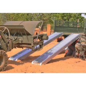 AVSS 200 - Rampes de chargement en aluminium pour roues à bandages & chenilles acier - Capacité 6240 kg à 11890 kg par paire - Longueur 2,88 m à 5,28 m