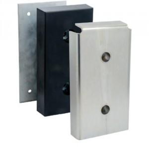 Butoir de quai caoutchouc 500x250x100 (avec plaque et tôle de protection)
