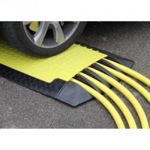 DS 090 - Passages de câbles ou de tuyaux en polyuréthane - Capacité 6000 kg - Passage de câbles 5 canaux 3 x Ø 60 mm et 2 x Ø 55 mm