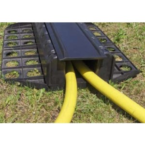DE 150 - Passages de câbles ou de tuyaux à enterrer en polyuréthane - Capacité 5000 kg - Passage de câbles de 113 mm x 100 mm