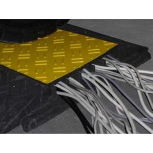 CB 271 - Passages de câbles ou de tuyaux en PVC recyclé - Capacité 4000 kg - Passage de câbles 1 canal Ø 40 mm et 4 canaux Ø 35 mm