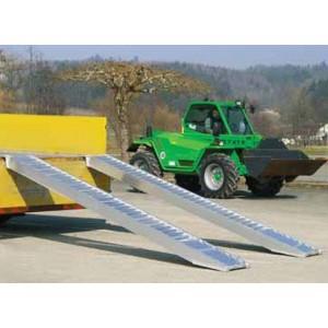 AVS 200 - Rampes de chargement en aluminium pour pneumatiques & chenilles caoutchouc - Capacité 6240 kg à 11330 kg par paire - Longueur 2,88 m à 5,28 m
