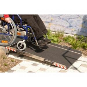 Passage d'obstacles en aluminium avec grip antidérapant - Capacité 300 kg - Longueurs 0,50 m et 0,80 m